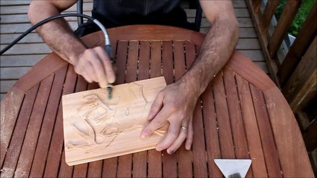 Ускоренная резьба по дереву бормашиной столярный мастер класс на канале Столярные Мастера