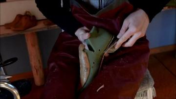 Shoemaking Time lapse. Изготовление обуви