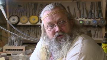 Александр Большаков(резьба по дереву).
